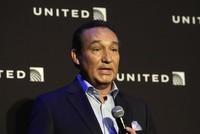 Lời xin lỗi mới nhất của CEO United Airlines: Dầu lại thêm vào lửa!