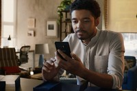 "Samsung ra video ""đá xoáy"" Apple iPhone X"