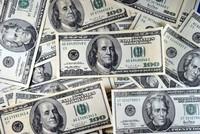 Người dân Mỹ vay tiêu dùng nhiều nhất trong 10 tháng qua