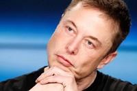 Ông chủ Tesla ngủ trên sàn nhà máy