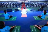 Gần 1.500 đồng diễn Yoga tại Hà Nội