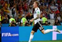 Đức 2-1 Thụy Điển: Mồ hôi, máu và bản lĩnh!