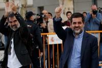 Tây Ban Nha tống giam hai thủ lĩnh ủng hộ Catalonia ly khai