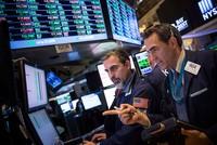 Chứng khoán hồi phục, giá vàng tiếp tục được dự báo tăng cao