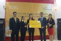 Sun Life Việt Nam chi trả bảo hiểm hơn 306 triệu đồng cho khách hàng