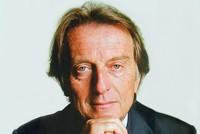 Chủ tịch Ferrari mất chức vì bất đồng với sếp lớn