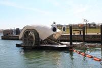 Độc đáo: Cỗ máy xử lý rác chạy bằng năng lượng mặt trời và nước