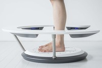 Công nghệ thử giày bằng máy quét 3D giúp người dùng chọn được những đôi giày vừa vặn với chân