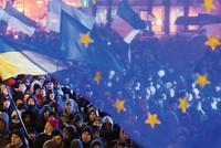 """Tạm quên Hy Lạp,  châu Âu nên """"lo lắng"""" về Ukraine"""