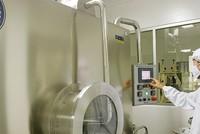 Ngành dược và thiết bị y tế: Cơ hội M&A và áp lực cạnh tranh