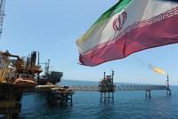 """Iran khiến thị trường dầu mỏ """"bối rối"""""""