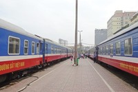 Từ 1/9, mua vé tàu điện tử không phải ra ga lấy vé