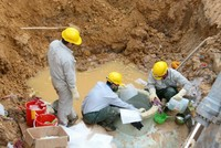 Hà Nội đề xuất chi 860 tỷ làm đường nước sạch khẩn cấp