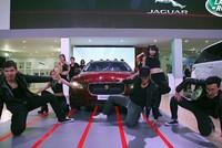 Land Rover và Jaguar mang những 'chiến binh' dũng mãnh đến triển lãm ôtô