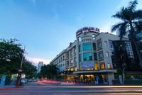 """""""Trận đánh"""" của các đại gia quanh khách sạn Kim Liên"""