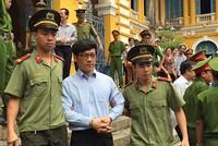 Cựu lãnh đạo VNCB từ chối trả lời việc huy động vượt trần