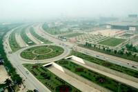 Hà Nội: Mỗi năm tốn 700 tỷ đồng để... cắt cỏ