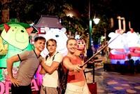 Trung thu sôi động cùng lễ hội đèn lồng tại Asia Park