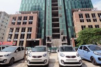 Công trình Dự án Apex Tower thành quán nhậu, hàng rửa xe