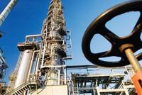 Hệ lụy giá dầu buộc các nhà sản xuất dầu mỏ đổi hướng