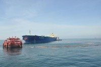 Nhà máy Lọc hóa dầu Nghi Sơn tiếp nhận 270.000 tấn dầu thô qua đường ống dài 35 km