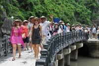 [Infographic] 10 tháng năm 2017: Khách quốc tế đến Việt Nam tăng 28,1%