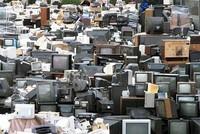 """""""Núi"""" rác điện tử ở Việt Nam được chất thêm gần trăm nghìn tấn mỗi năm"""