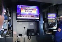 Fed tăng lãi suất, chứng khoán, vàng đồng loạt khởi sắc