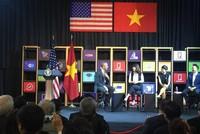 Tổng thống Mỹ làm MC khi đối thoại với start-up Việt