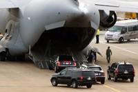 Bộ đôi The Beast rời Việt Nam bằng máy bay