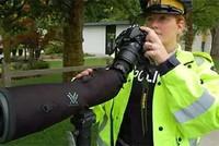 'Siêu ống nhòm' giúp cảnh sát phát hiện tài xế nhắn tin khi lái xe