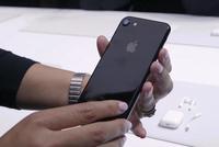 iPhone 7 Jet Black khan hàng vì khó sản xuất