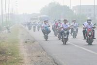 Khói rơm rạ bao phủ vùng ven Hà Nội