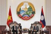 Tổng Bí thư hội kiến Thủ tướng Lào Thongloun Sisoulith