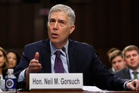Ứng viên thẩm phán toà tối cao Mỹ công khai lên án Trump