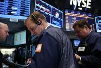 Phố Wall giằng co, giá vàng thăng hoa nhờ USD giảm