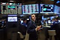 Chứng khoán hồi sinh, giá vàng đột biến sau quyết định của Fed