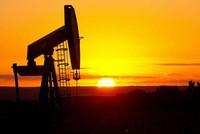 Giá dầu thô tăng vọt, kéo chứng khoán, giá vàng tăng theo