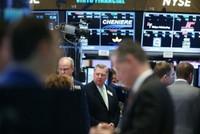 Chứng khoán, giá vàng, giá dầu rủ nhau giảm đồng loạt