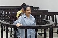 Giảm án cho nữ công nhân khoe khoang lừa chạy việc chiếm đoạt tiền tỷ