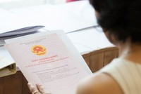 """""""Cán bộ dự án"""" Hà Nội chạy sổ đỏ chiếm đoạt gần 1 tỷ đồng lĩnh án 12 năm tù"""
