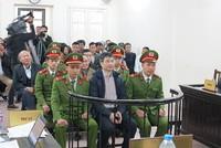 """Giang Kim Đạt khai """"Tiền hoa hồng là hợp pháp và bị cáo cho bố"""""""
