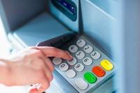 Rút tiền quên thẻ ATM, suýt mất 30 triệu đồng