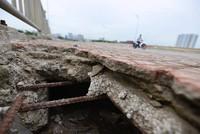 Cận cảnh cầu bê tông lót xốp có một không hai tại Hà Nội