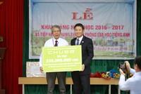 Chubb Life Việt Nam trao tặng thiết bị dạy và học cho 4 trường tiểu học