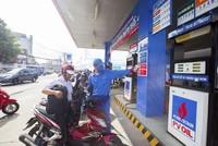 PVOIL giảm giá bán lẻ xăng dầu 500 đồng/lít