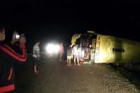 PTI giám định tại chỗ xe khách bị lật trong đêm tại Lào