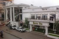 Hơn 20 công an giải cứu phóng viên bị giam lỏng ở nhà hàng Queen Bee, Hà Nội