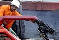 Thị trường dầu lửa: Tình trạng dư cung sẽ biến mất vào cuối năm nay
