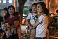 Hà Nội: Cháy chung cư Linh Đàm giữa đêm, dân bỏ nhà tháo chạy